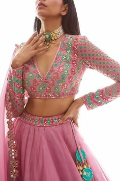 Indian Gowns Dresses, Indian Fashion Dresses, Indian Designer Outfits, Indian Outfits, Indian Attire, Designer Clothing, Indian Wear, Designer Dresses, Stylish Blouse Design
