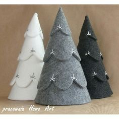 You are in the right place about Diy Felt Christmas Tree ornaments Here we offer you the most beauti Diy Felt Christmas Tree, Felt Christmas Decorations, Christmas Sewing, Noel Christmas, Homemade Christmas, Winter Christmas, Christmas Projects, Felt Crafts, Holiday Crafts