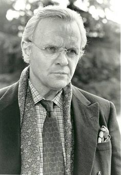 Anthony Hopkins as George Hayden in 'Chaplin'. Prinz Charles, Prinz William, Youtubers, Camilla Duchess Of Cornwall, Sir Anthony Hopkins, Donald Sutherland, Prinz Harry, Elisabeth Ii, First Daughter