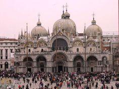 A Basílica de São Marcos é a mais famosa das igrejas de Veneza e um dos melhores exemplos da arquite... - All Rights Reserved