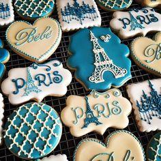 Paris, in our hearts ♡ Paris Birthday Cakes, Paris Themed Cakes, Paris Themed Birthday Party, Birthday Cookies, Cupcake Cookies, Sugar Cookies, Paris Cupcakes, Cake Paris, Paris Sweet 16