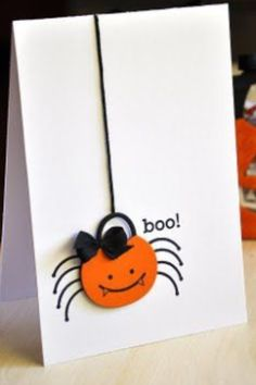 Love this darling little spider, dropping in with a bucket full of goodness for Halloween. DIY card Love this darling little spider, dropping in with a bucket full of goodness for Halloween. Halloween Tags, Halloween Crafts, Easy Halloween, Halloween Foods, Homemade Halloween, Halloween 2019, Halloween Stuff, Halloween Decorations, Adornos Halloween