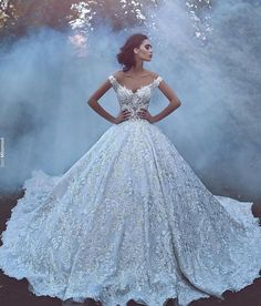 Luxury 2017 New Arrival Lace Wedding Dresses Off Shoulder Backless Vintage A Line Bridal Gown Wedding Gowns Robe Cathedral Train Custom Made - A Line Bridal Gowns, Lace Ball Gowns, Tulle Ball Gown, Bridal Dresses, Disney Wedding Dresses, Dream Wedding Dresses, Designer Wedding Dresses, Wedding Gowns, Lace Wedding