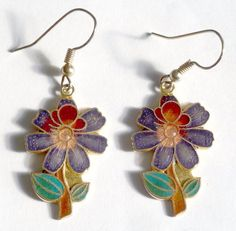 A VINTAGE 1980s PAIR OF GOLD TONE CLOISONNE ENAMEL FLOWER PIERCED EARRINGS