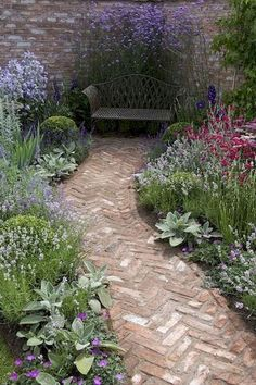 27 Stunning Front Yard Pathway Landscaping Ideas