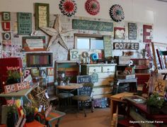 Beyond The Picket Fence: Show Time. I know this is a booth vignette, but heck . I would happily decorate a room like this! Market Displays, Craft Show Displays, Store Displays, Booth Displays, Display Ideas, Retail Displays, Jewelry Displays, Antique Mall Booth, Antique Booth Ideas