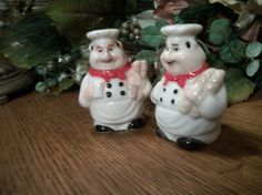 French Chef Salt and Pepper Shakers Bread Baker Ceramic Cook Figurines Tableware