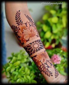 Floral Henna Designs, Henna Hand Designs, Mehndi Designs For Beginners, Mehndi Designs For Girls, Mehndi Design Photos, New Bridal Mehndi Designs, Mehndi Designs For Fingers, Dulhan Mehndi Designs, Best Mehndi Designs