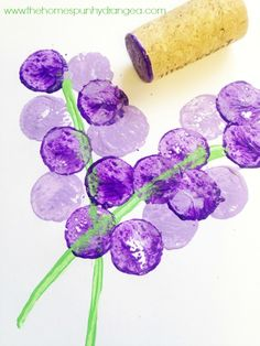 Flower crafts for kids: Wine Cork Stamp Flowers by The Homespun Hydrangea