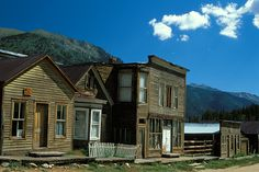 Elmo a Colorado ghost town near Buena Vista - Andy Cook Photo Road Trip To Colorado, Us Road Trip, Colorado Country, Haunted Places, Abandoned Places, Elmo, The Places Youll Go, Places To Visit, Colors