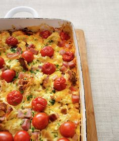 Tomato and Ham Breakfast Casserole ~ Perfect for a big brunch crowd, this easy casserole takes just 15 minutes of prep time.