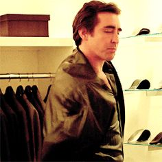 I can watch this gif all my life! You are so cool and handsome Mr. Pace!!