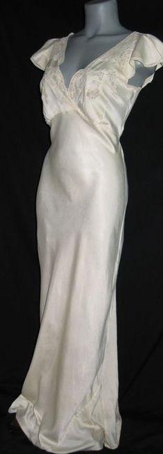 Silk nightgown - line, shape, form, drape, cut Elegant Lingerie, Vintage Lingerie, Wedding Lingerie, Silk Nightgown, Vintage Nightgown, 1930s Fashion, Vintage Fashion, Vintage Style, Beautiful Outfits