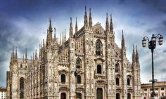 イタリア-ミラノ大聖堂 500年以上かけて建造された世界最大のゴシック建築 気まぐれな菓子職人の作ったデコレーション