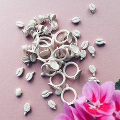 Kalenderen siger efterår og så er det på tide så småt at komme igang med juleforberedelserne 🎄🎄🎄 Ét styks proppet lager coming right up 💪 #sætigang #spændhjelmen #fåmåsenigear #liiigeomlidt #gold #guld #silver #sølv #diamond #diamant #smykker #jewelry #jewellery #guldsmed #jeweller #goldsmith #handcrafted #handmade #danishdesign #guldsmedlouisedegn