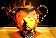 OOAK *VINTAGE* CHINA * HALLOWEEN* WITCHES *BLACK CATS* *TEA POT