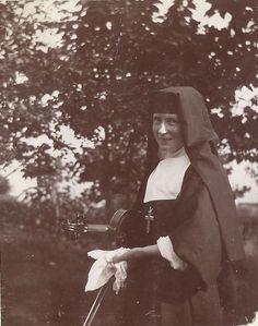 Nuns Habits, Bride Of Christ, Holy Mary, Religion, Missouri, Portrait, Couple Photos, Santa Teresa, St Louis