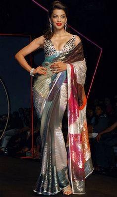 Mugdha Godse http://www.SatyaPaul.com/ Collection Maya WLIFW 2009