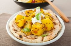 This spicy Bombay potatoes recipe is full of classic Indian spices, tangy onions, soft potatoes making a delicious side dish with a traditional curry.A real British favourite this spiced potato side … Cheap Family Meals, Cheap Meals, Easy Meals, Potato Sides, Potato Side Dishes, Seafood Recipes, Indian Food Recipes, Bombay Potato Recipe, Budget Meals