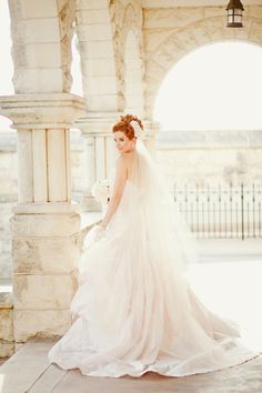 Rustic Background with Di-Santo-wedding-dress