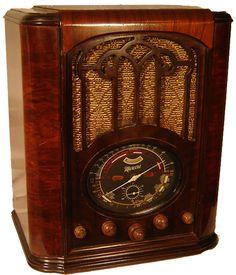 Antique Radio - Macaroni 81