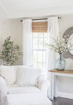 60+ Cozy Farmhouse Living Room Decor Ideas #livingroomideas