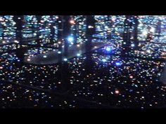 Yayoi Kusama's Infinity Mirrored Room at The Broad (Los Angeles, California) Infinity Mirror Room, Yayoi Kusama, California Art, Light Year, Airplane View, Things To Do, World, Places, Artist