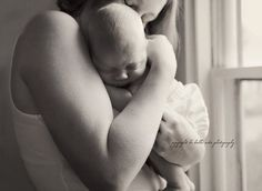 """Wonderful article about maternity/newborn photography as an almost """"therapy."""""""