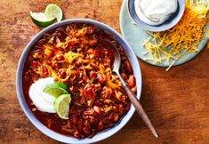 This weekend make Pierre Franey's popular turkey chili (above), a vegetarian version with squash or eggs, or a take on gumbo from Sam Sifton. Click the collection below for more recipes. Stuffed Sweet Peppers, Stuffed Jalapeno Peppers, Great Chili Recipes, Paleo Recipes, Ground Turkey Chili, Ground Beef, Best Turkey, Pumpkin Soup, Pumpkin Chili