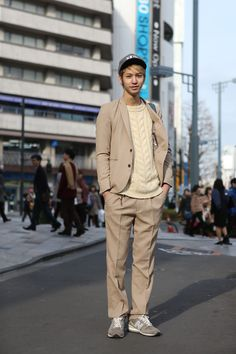 Beige Suit and Cream Cable Knit  Heather Grey Sneakers and Cap  Zen   ストリートスナップ [早瀬 拓] | fact, H, New Era, STUDIOUS, ステュディオス, ニューエラ | 原宿 | Fashionsnap.com