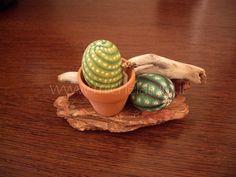 PIANTE - Michela.....Arte & Design Cactus Painting, Pebble Painting, Pebble Art, Stone Painting, Painted Rock Cactus, Painted Pots, Painted Stones, Stone Cactus, Rock Flowers