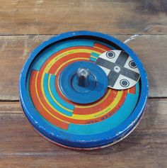 FLICKER TIN TOP, Complete with Paper Spinner, 1920s, Antique Toy