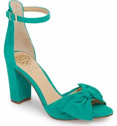 Coloridos, de, sandálias, sapatos, , laranja, e, pretas, inverter, flops. Banco de Imagem