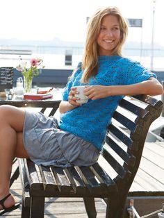 Dieser leichte Pullover ist der perfekte Begleiter für die warme Jahreszeit