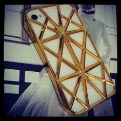 #1014 Gold Chic iPhone 4 Case US$28   YES. I - FASHION