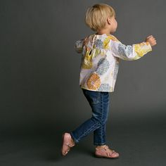 Girls Shirt Pattern with Collar option Long Sleeved por tiedyediva