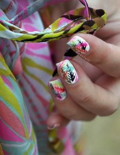 DIY Nail Art | Colorful Palm ~ Beautyill | Beautyblog met nail art, nagellak, make-up reviews en meer!