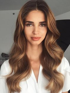 Hair, haircut, hairstyle, beauty Work Hairstyles, Haircuts For Long Hair, Spring Hairstyles, Long Hair Cuts, Long Brunette, Brunette Hair, Trending Haircuts, Celebrity Makeup, Look Chic