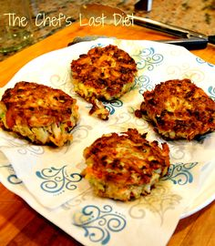 Crab Cakes with a secret ingredient Beyond Chicken, Cake Story, Summer Dishes, Hors D'oeuvres, Crab Meat, Crab Cakes, Tandoori Chicken, Appetizers, Diet