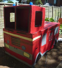 Jovial Spondoodles: Fire Engine from cardboard boxes