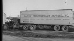 Shorpy Historic Picture Archive :: King of the Road: 1940 high-resolution photo Antique Trucks, Vintage Trucks, Vintage Auto, Cool Trucks, Big Trucks, Semi Trucks, Wyoming, Nevada, Ww2 Fighter Planes