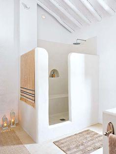Inspiration pour une salle de bain comme en Grèce #inspiration #déco #décoration #intérieur #home