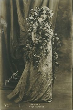 Miss Mary Garden as Ophelie (Vintage Photography)