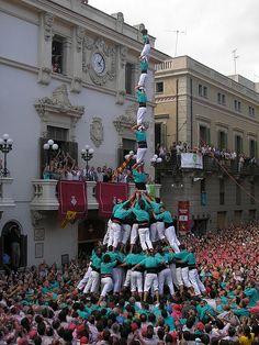 Pilar de 8 amb folre i manilles de la colla Castellers de Vilafranca.