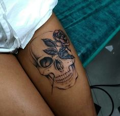 Cool Skull Tattoos For Women – My hair and beauty Skull Tattoos, Body Art Tattoos, Girl Tattoos, Leg Tattoos For Girls, Tattoos On Thighs, Girls With Tattoo, Small Skull Tattoo, Leg Tattoos Women, Belly Tattoos