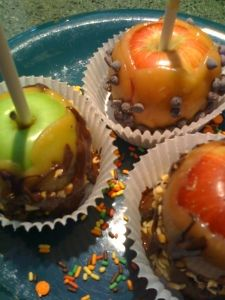 Gluten Free/Dairy Free Caramel Apples? I think this may change my life. (It's the little things, ok?)