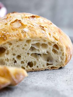 This easy No-Knead Bread loaf has a deliciously crisp crust and a soft spongy center. Its the perfect blend of soft and chewy. With only 4 ingredients (flour salt yeast and water) you can make a bakery-quality scrumptious loaf of homemade bread. No Knead Bread, Yeast Bread, Bread Baking, No Knead Ciabatta Bread Recipe, Loaf Recipes, Easy Bread Recipes, Cooking Recipes, White Bread Machine Recipes, Vegan Recipes