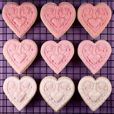 Beautiful molded fondant cookies/biscuits from Bakerella with recipe and tutorial