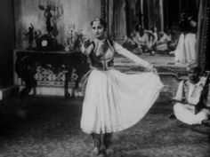 Amazing performance of Kathak dancer Roshan Kumari in Satyajit Ray's movie Jalsaghar. This video was the start of my passion for Kathak dance.