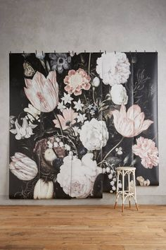 Not For Shrinking Violets: Where to Buy Big, Beautiful, Dramatic Floral Wallpapers | Apartment Therapy
